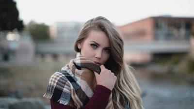 L'intramontabile fascino della sciarpa