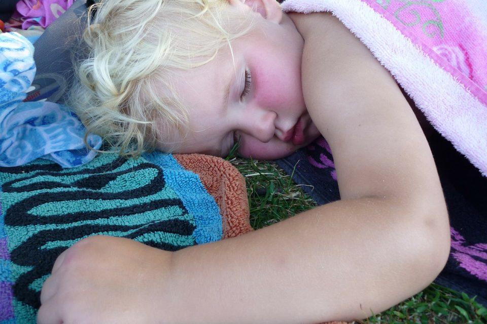 I bambini hanno bisogno del pisolino pomeridiano